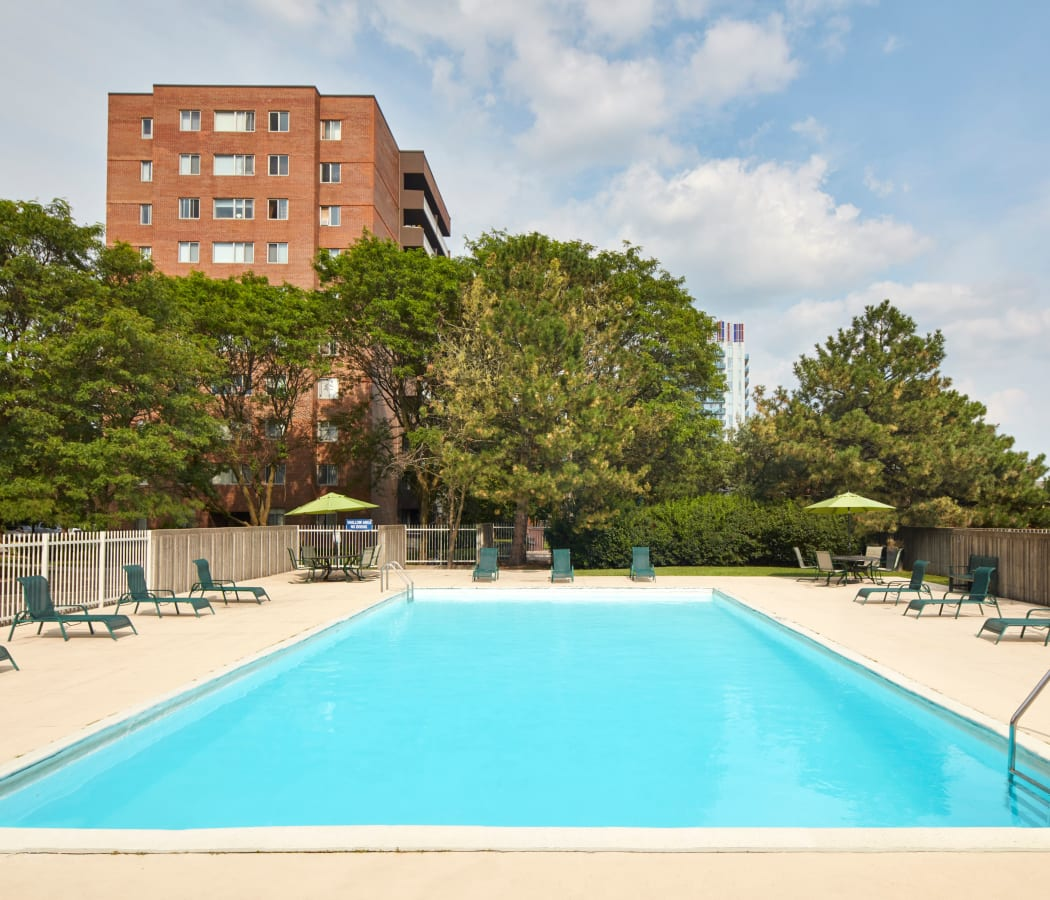 Sparkling swimming pool at Richmond Hill Apartments in Richmond Hill, Ontario