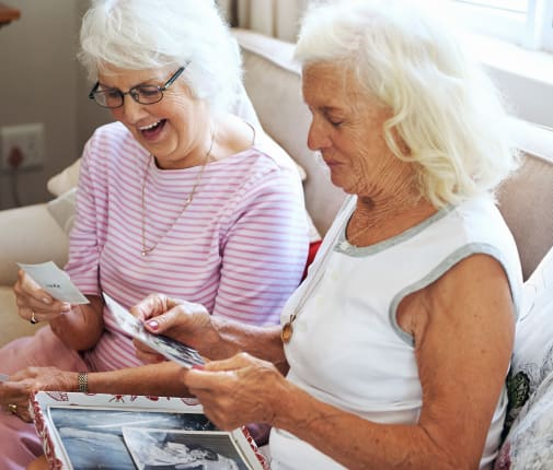 Residents enjoying time together at The Renaissance at Coeur d'Alene in Coeur d'Alene, Idaho