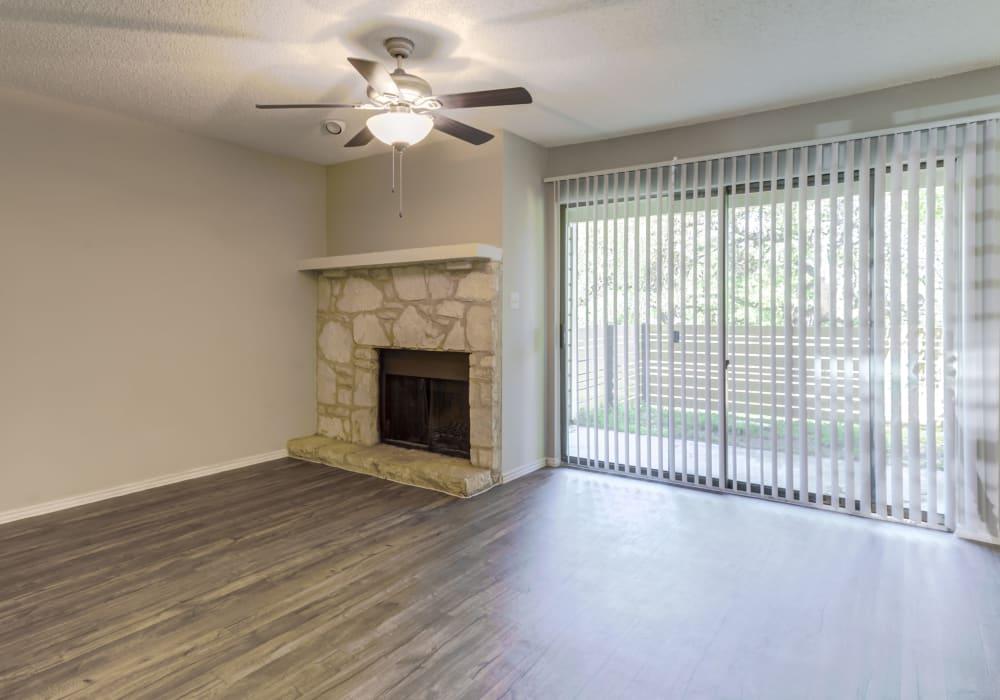 Family room at Turtle Creek Vista Apartments in San Antonio, Texas