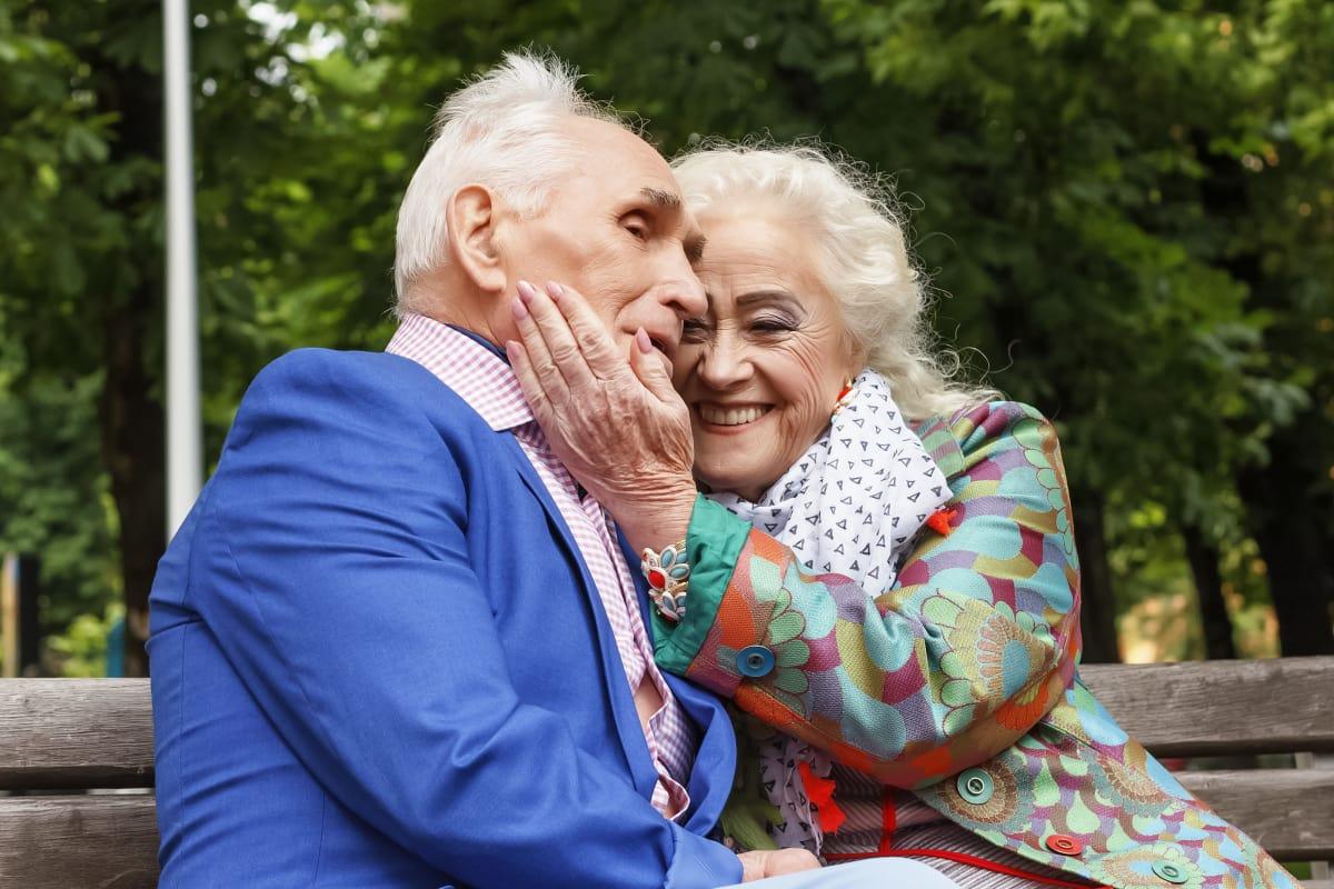 Seniors embracing at The Country Club of La Cholla