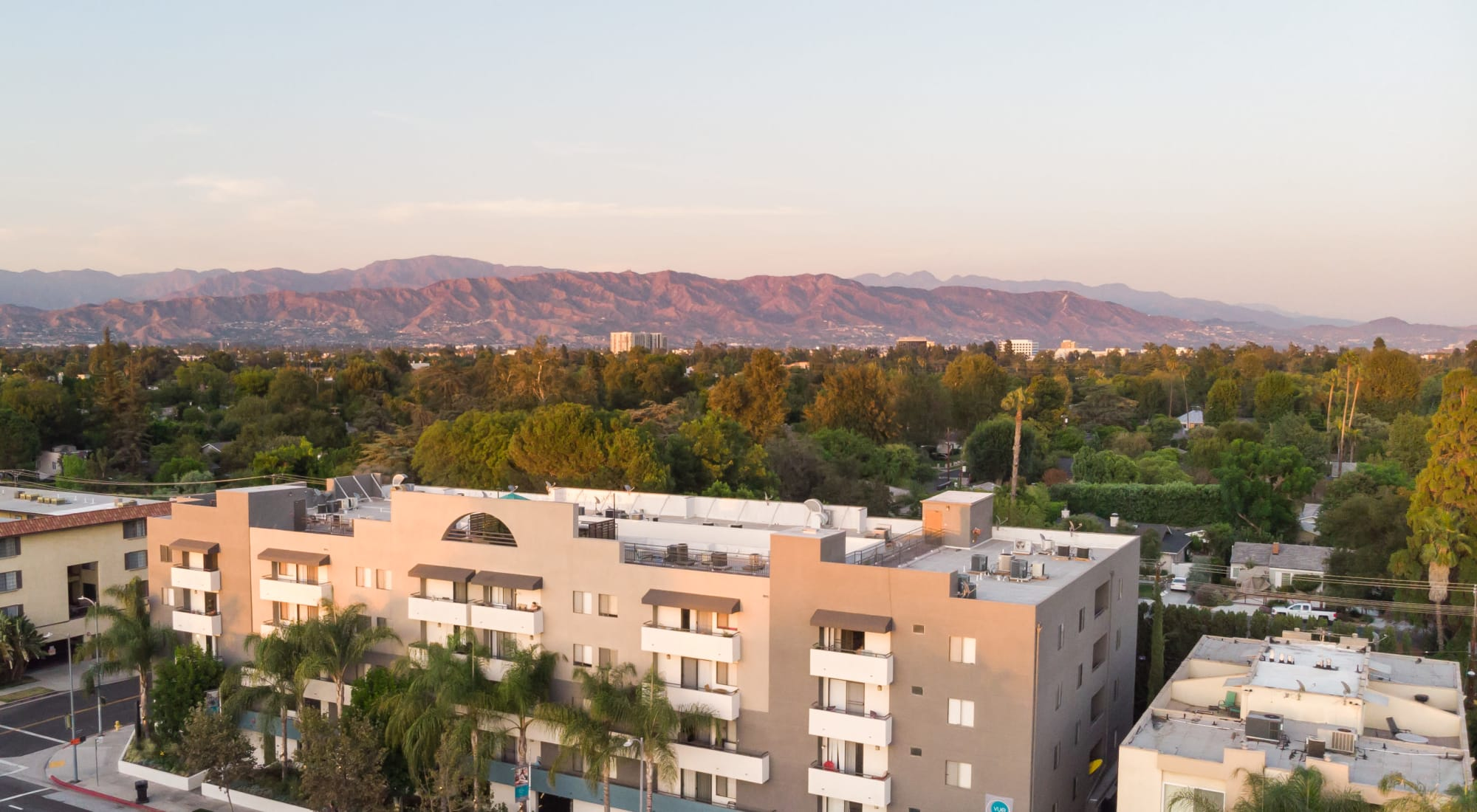 Amenities at Vue at Laurel Canyon in Valley Village, California