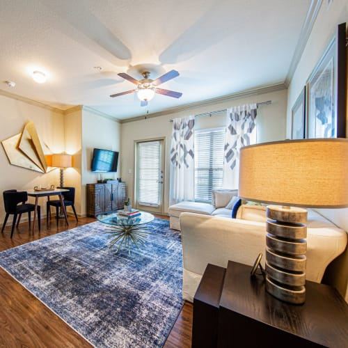 Flexible Lease Terms at Marquis Grand Lakes in Richmond, Texas