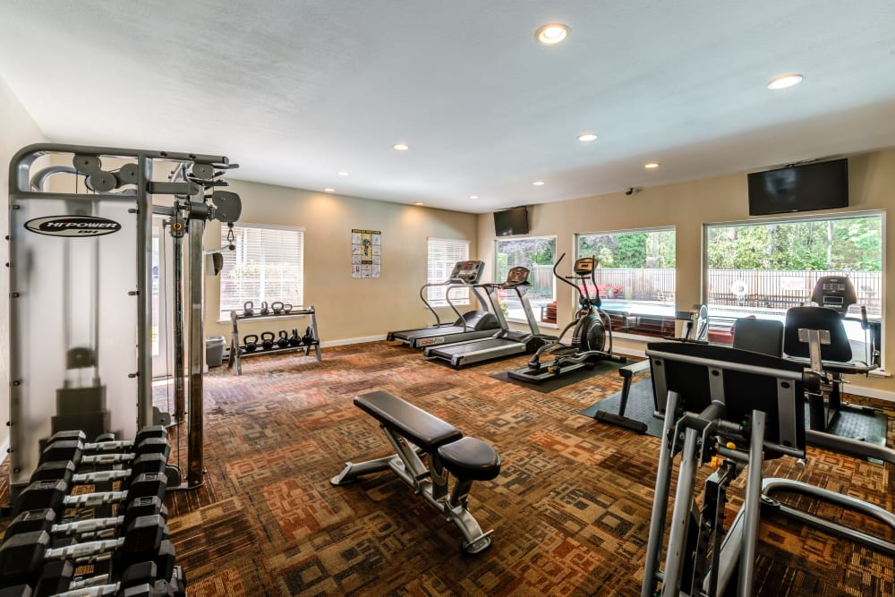 Fitness center at Chestnut Hills Apartments in Puyallup, Washington