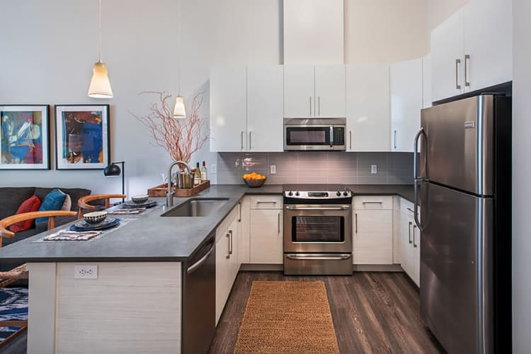 Eastside Bond Apartments offers a luxury kitchen in Pittsburgh, PA