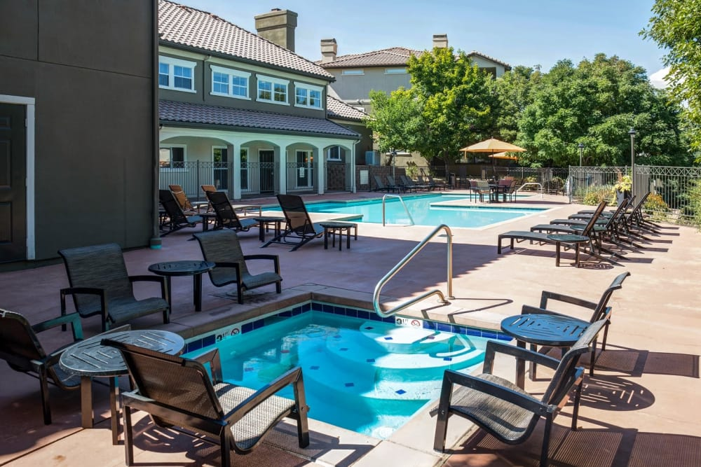 Beautiful resort-style swimming pool and spa at Altitude Westminster in Westminster, Colorado