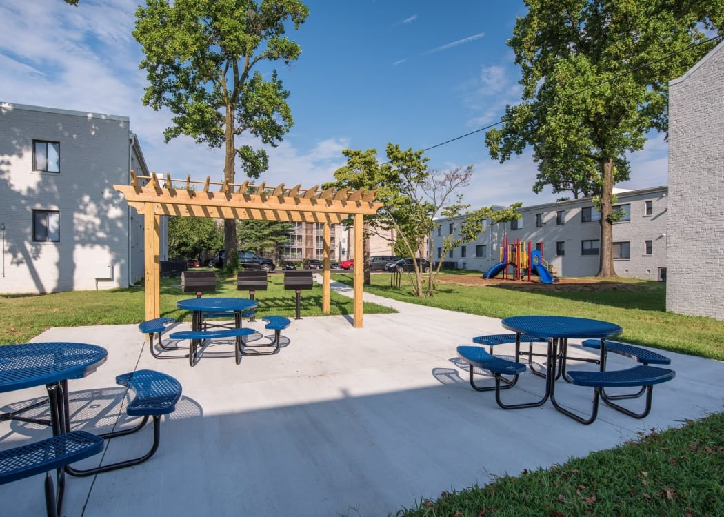 Picnic area and pergola at The Residences at Silver Hill in Suitland, MD