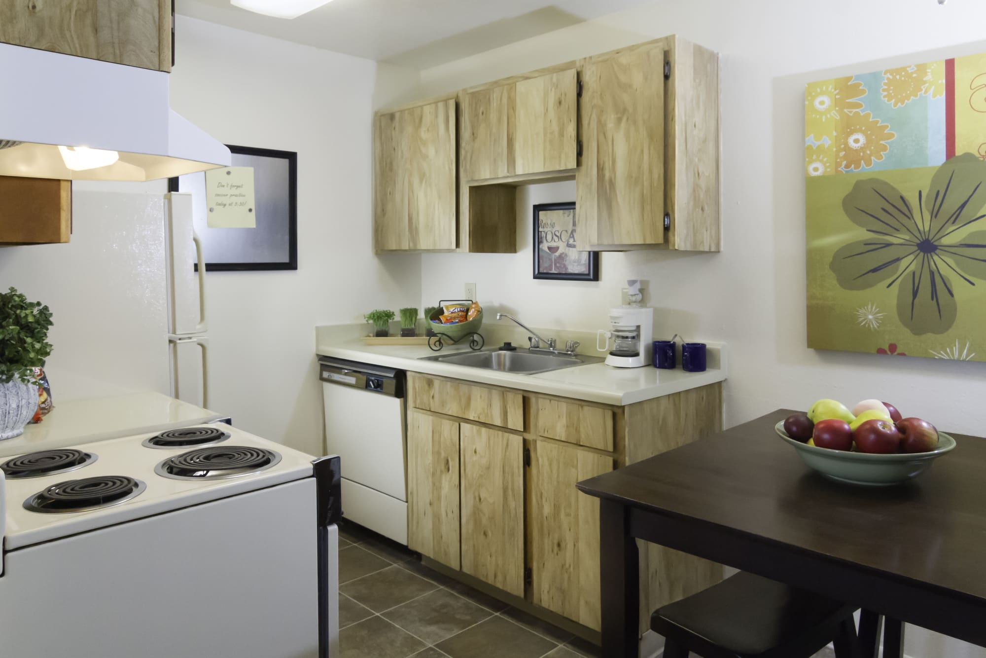 Callaway Apartments fully equipped kitchen