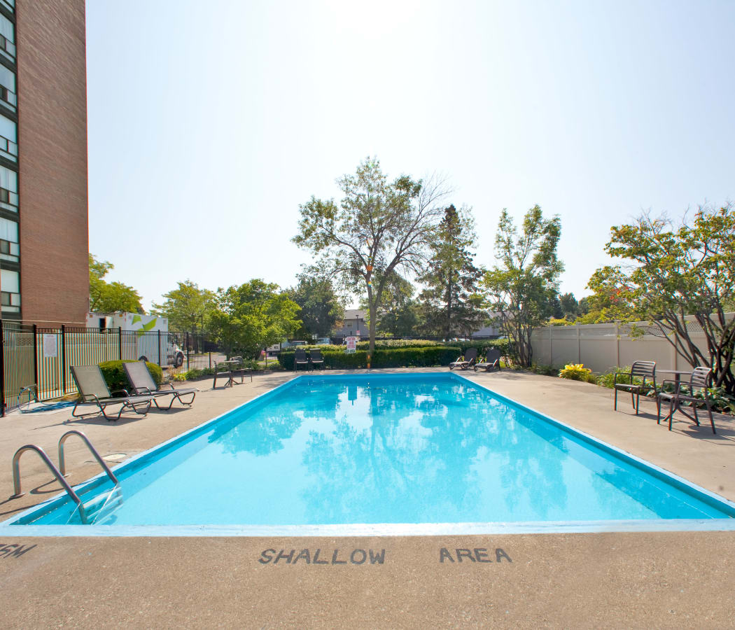 Luxury swimming pool at apartments in Mississauga, Ontario
