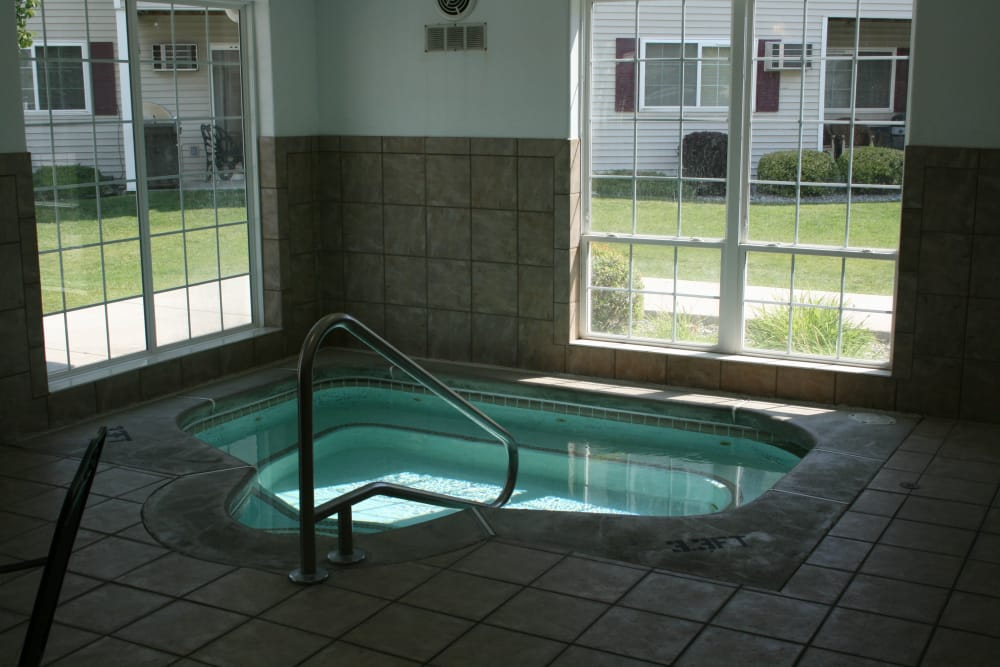 River Rock Apartments offers beautiful private Jacuzzi in Spokane Valley, Washington