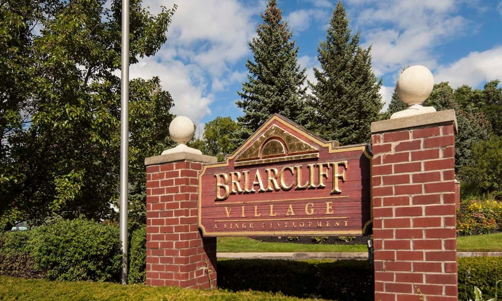 Sign at Briarcliff Village in Commerce Township