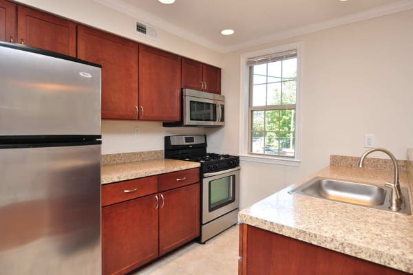 Kitchen at The Villas at Bryn Mawr Apartment Homes in Bryn Mawr, Pennsylvania