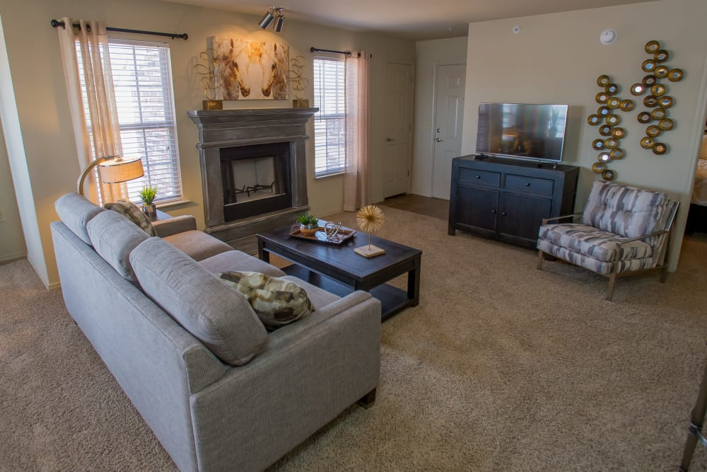 Living room at Mission Point Apartments in Moore, Oklahoma