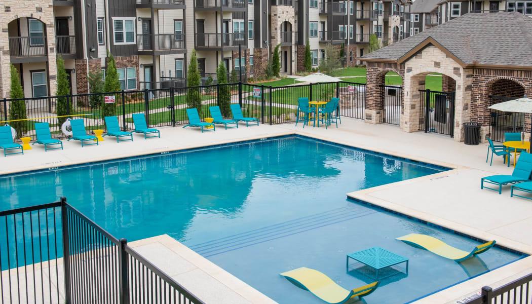 The pool at 97@ North Oak in Kansas City, Missouri