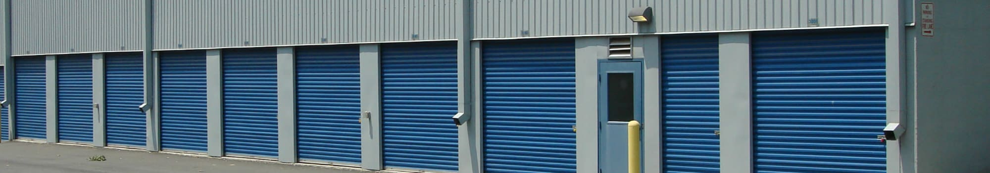 Self storage units in Sterling