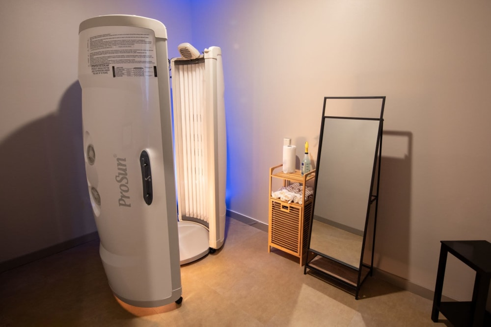 Tanning bed available at Luxor Club in Jacksonville, Florida
