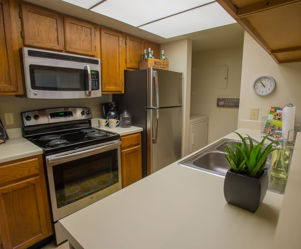 Kitchen at Sheridan Pond in Tulsa, Oklahoma