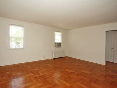 Apartments with hardwood floors in Highland Park, NJ