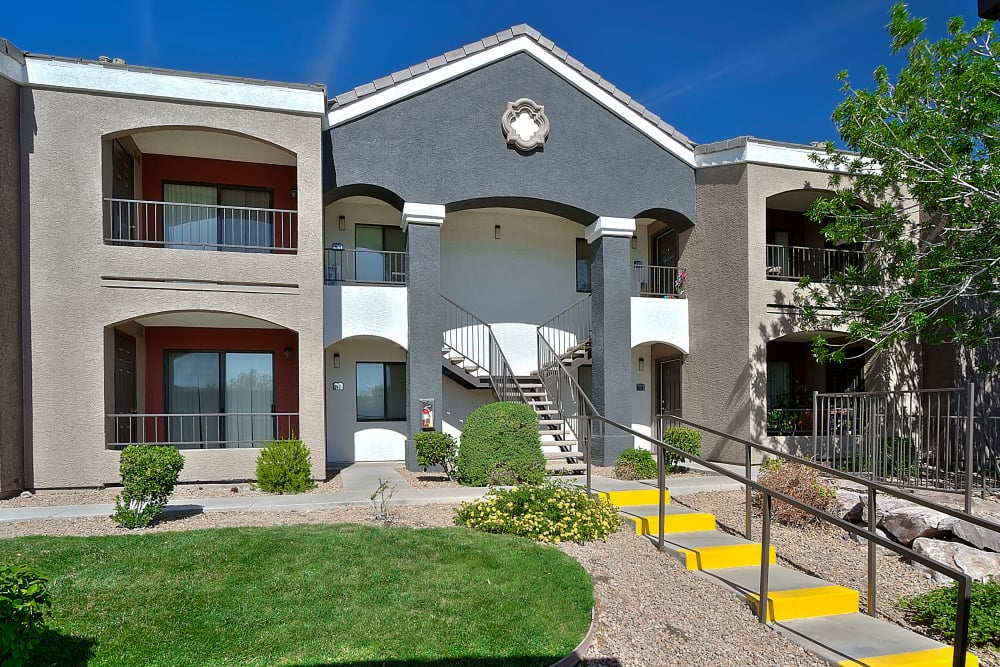 Exterior of front entrance to Cielo Apartment Homes in Henderson, Nevada