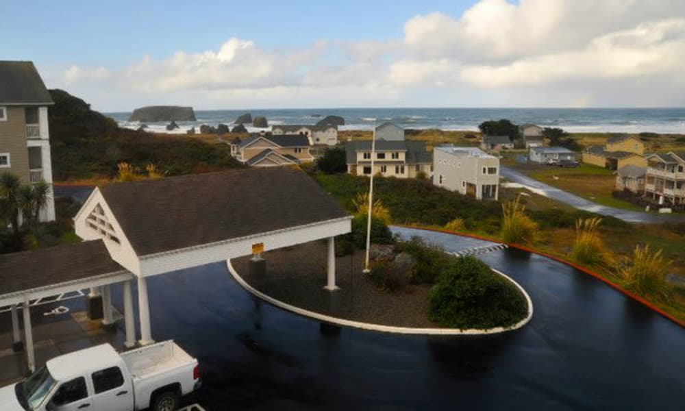 Front entrance at Pacific View Senior Living Community in Bandon, Oregon