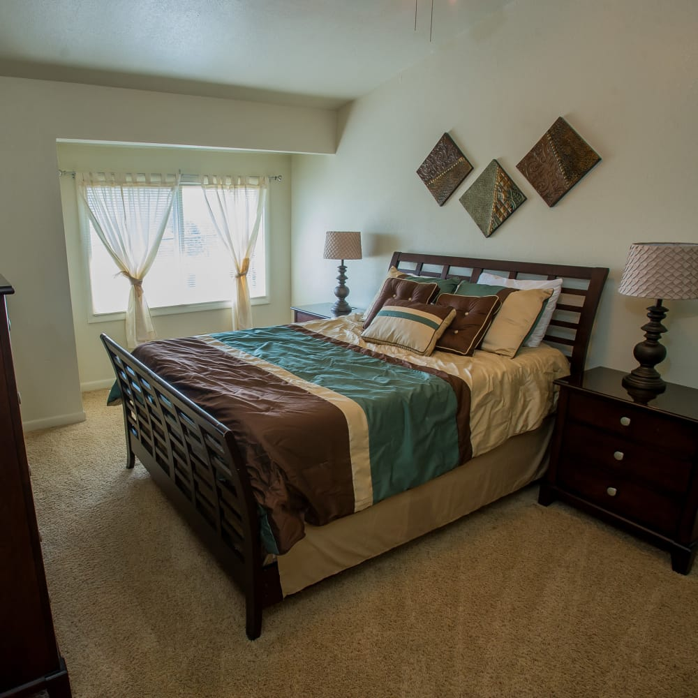 Bedroom at Sheridan Pond in Tulsa, Oklahoma