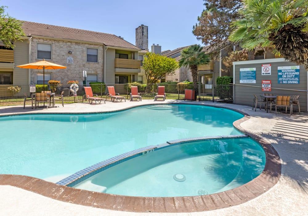 Large pool area at Turtle Creek Vista Apartments in San Antonio, Texas