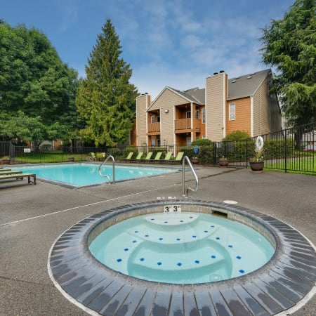 Community and unit amenities at Carriage House Apartments in Vancouver, Washington