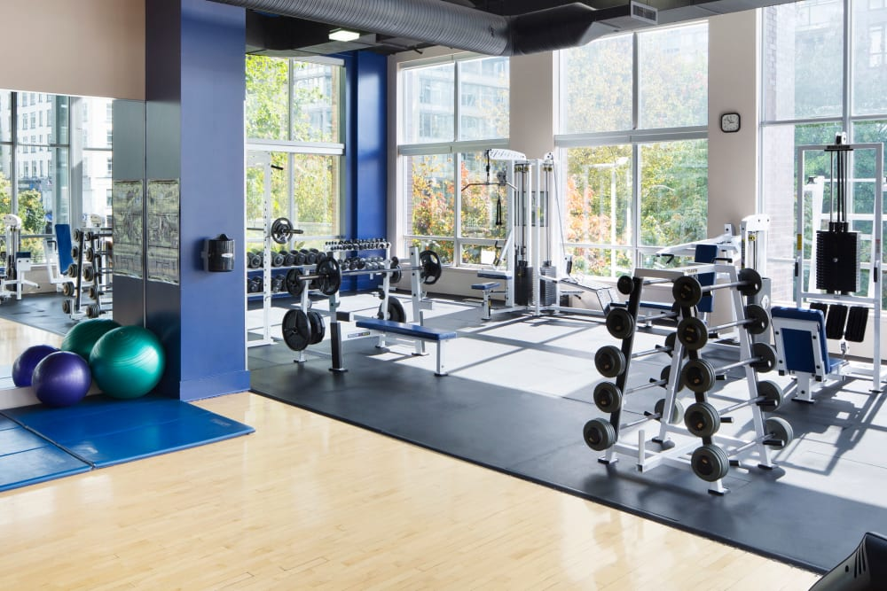 Fully equipped gym at Metropolitan Towers in Vancouver, British Columbia