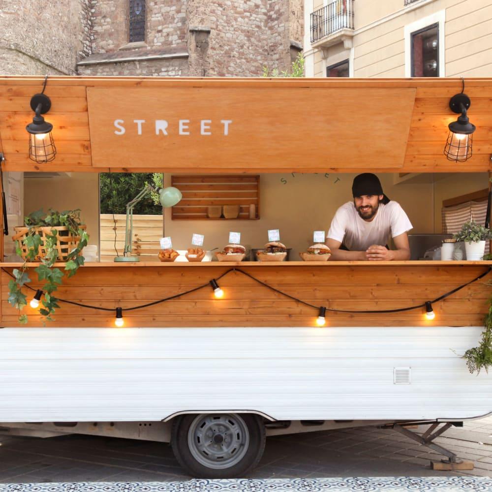 Food cart near 17th Street Lofts in Atlanta, Georgia