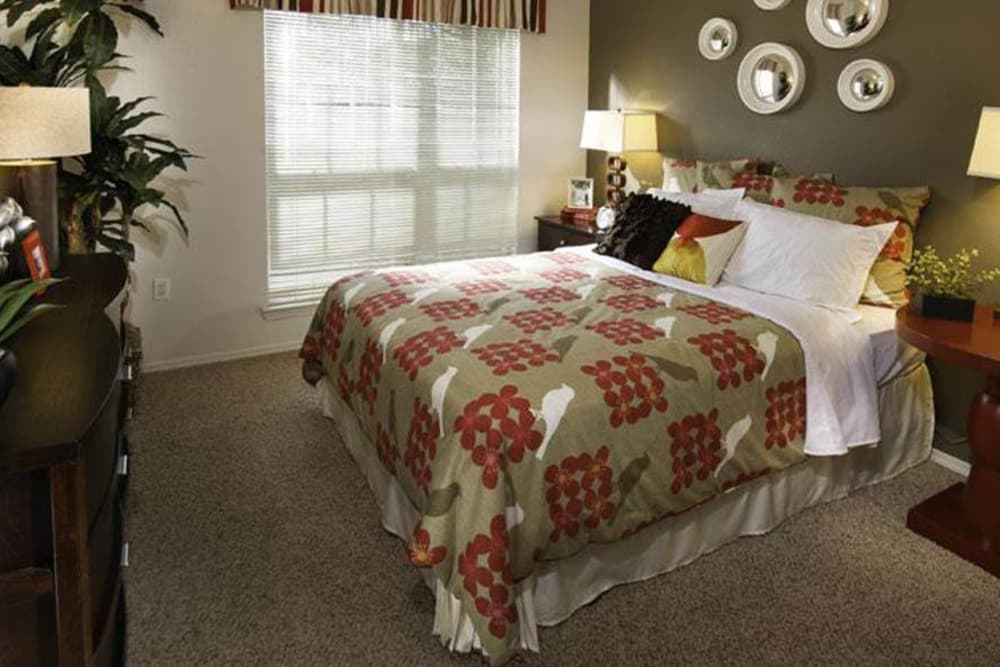 Irving Schoolhouse Apartments Has Large Bedrooms