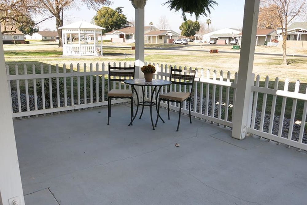 Patio Area at the Senior Living Community in Atwater