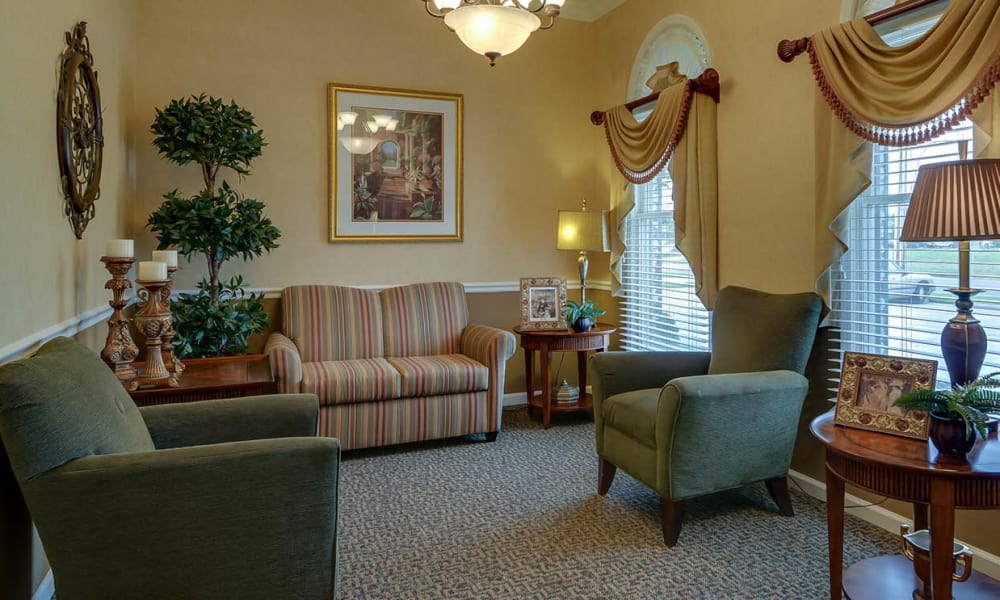 Seating area at The Arbors at WestRidge Place in Sikeston, Missouri