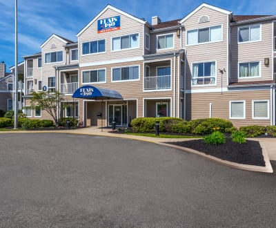 Flats at 390 apartments in Meriden, Connecticut