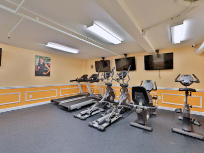 Fitness center at Kings Park Plaza Apartment Homes in Hyattsville, Maryland