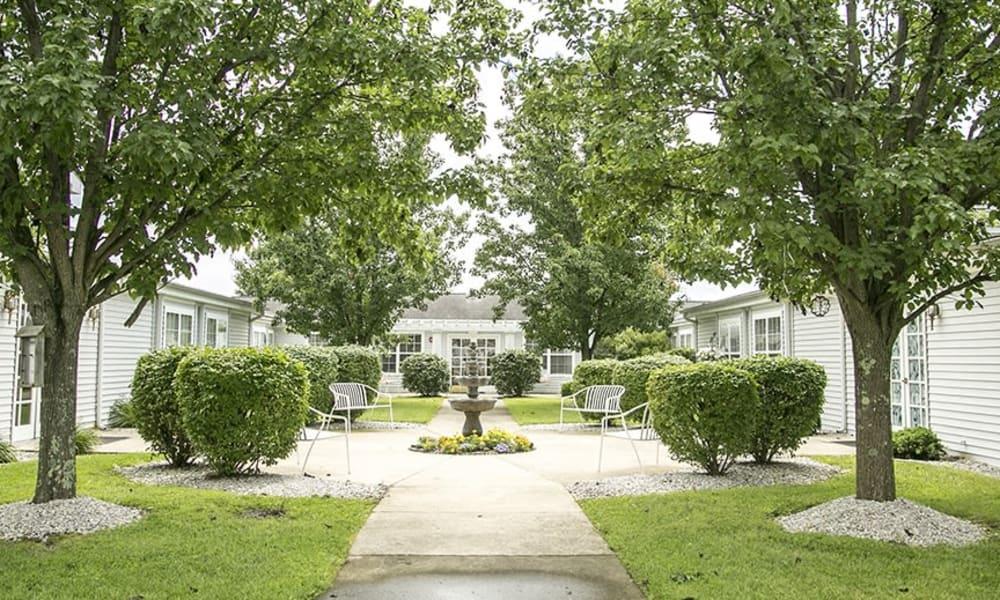 Courtyard at Randall Residence of Wheelersburg in Wheelersburg, Ohio