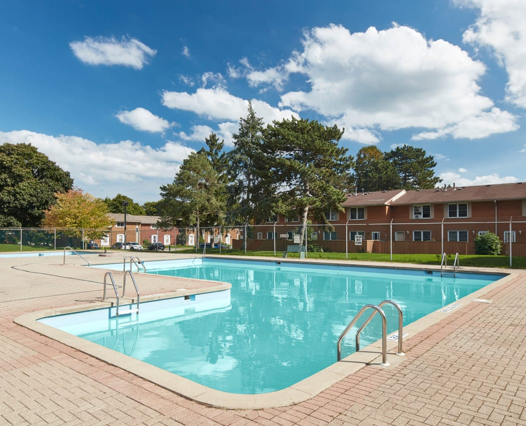 Apartments townhomes in burlington on georgian court - Swimming pools burlington ontario ...