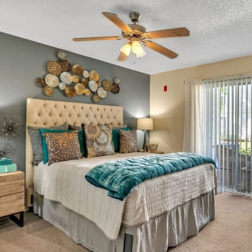 View virtual tour of 1 bedroom 1 bathroom home at The Braxton in Palm Bay, Florida