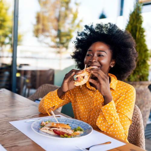 Eat near 900 Dwell in Stockbridge, Georgia
