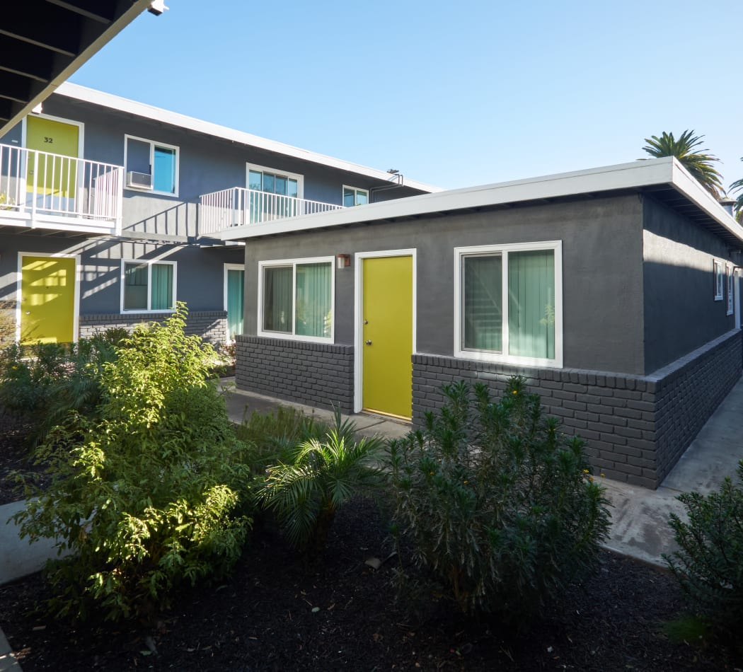 Community Amenities at Palms at the Pruneyard in Campbell, California