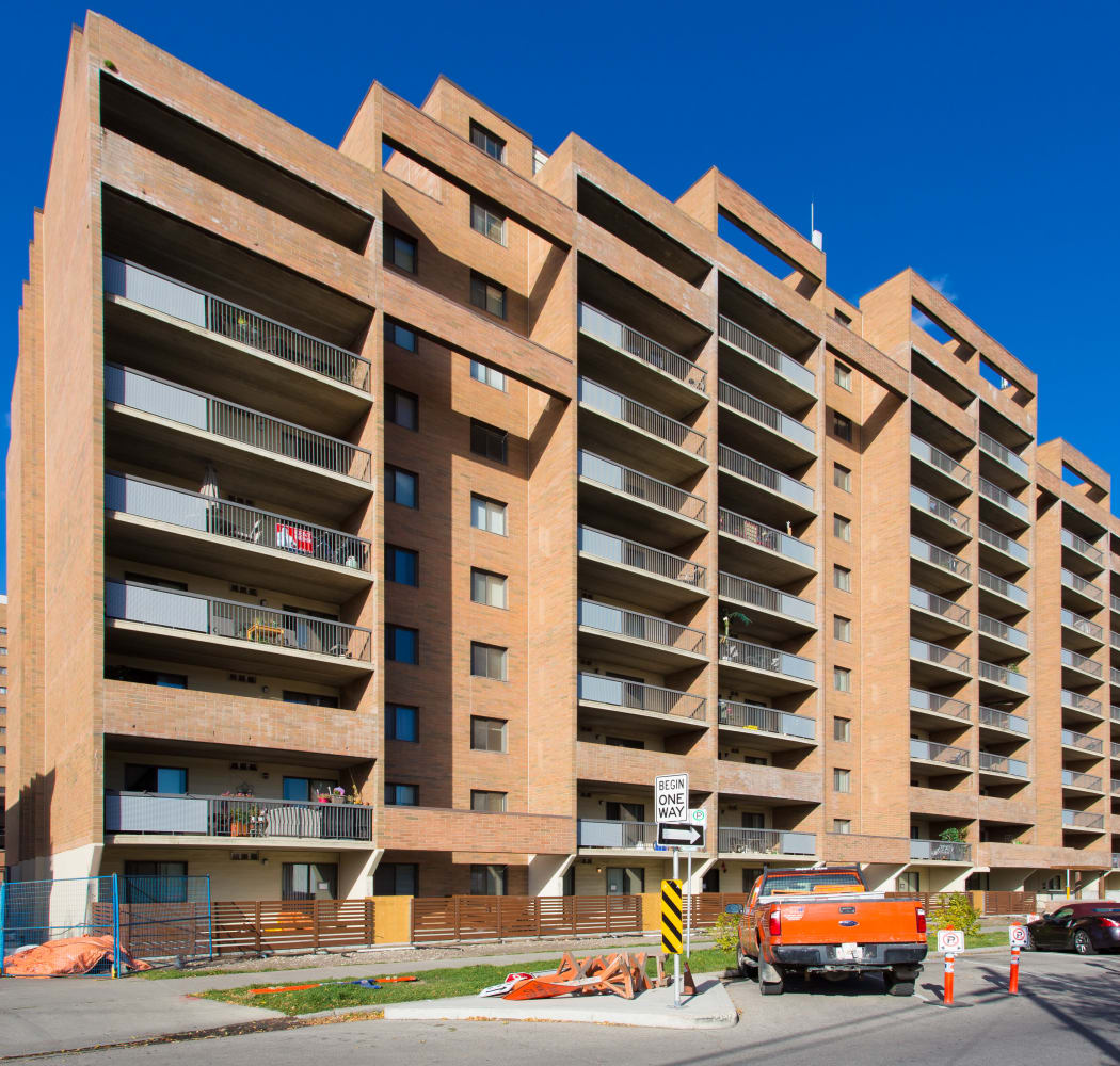 Curbside view of Royal View Apartments in Calgary