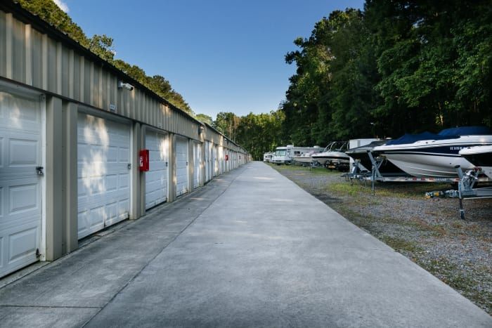 Space Shop Self Storage loading dock in North Charleston, South Carolina