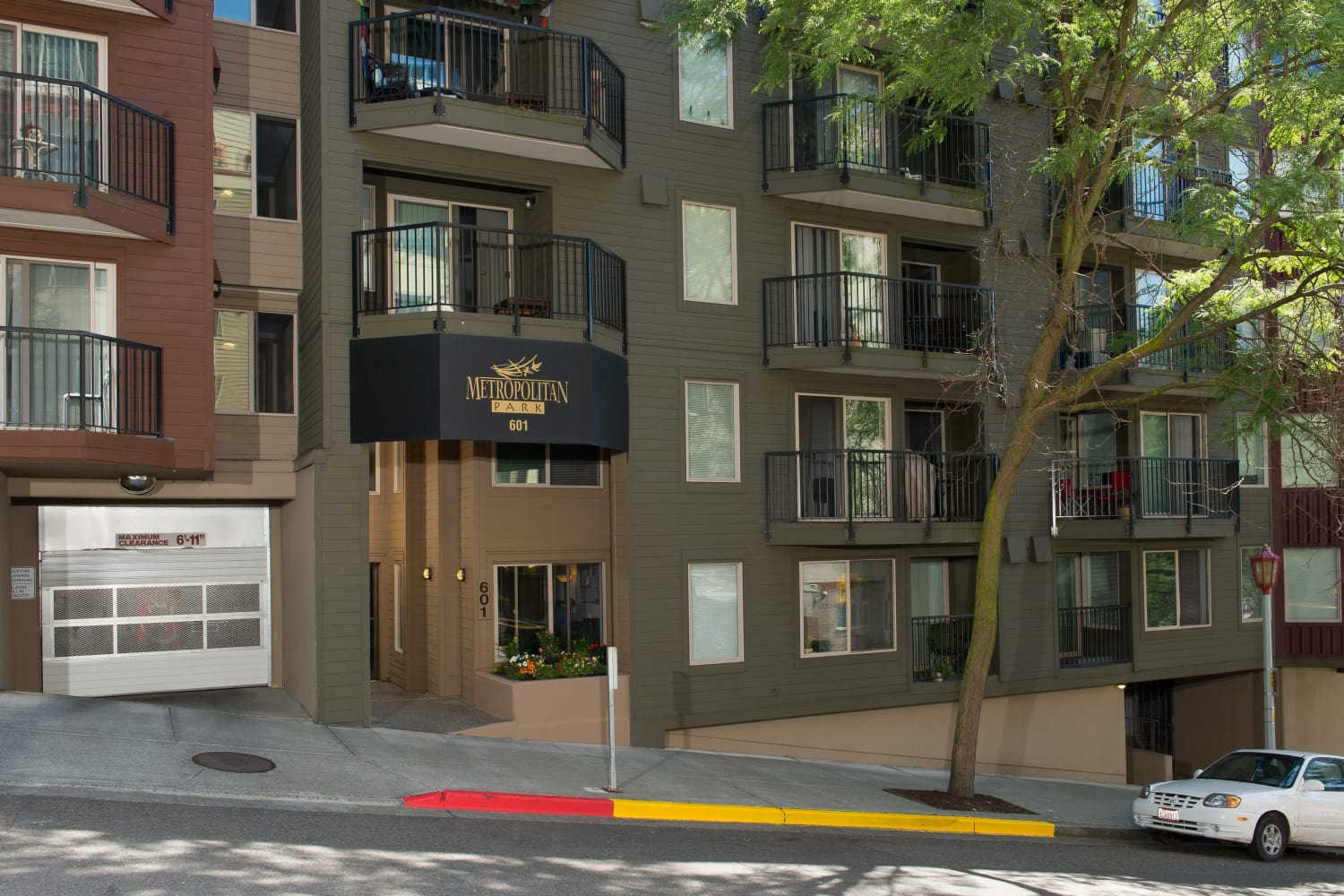Entry at Metropolitan Park Apartments in Seattle, Washington