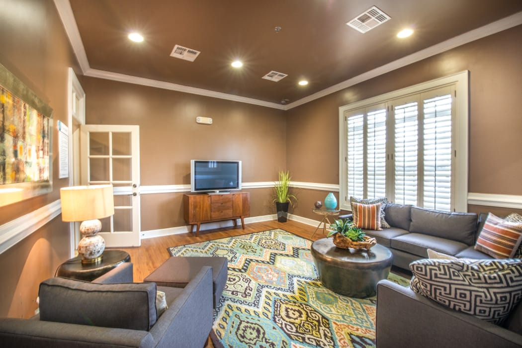 Spacious living room at The Atlantic Stonebriar in The Colony, Texas