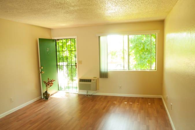 Spacious apartments at Buchanan Gardens in Antioch, CA