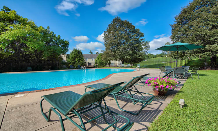 Swimming pool and sundeck at The Encore at Laurel Ridge