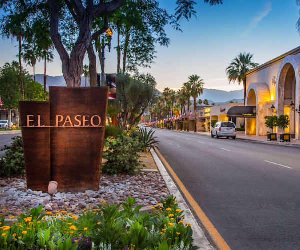The surrounding neighborhood at Avenida Palm Desert in Palm Desert, California