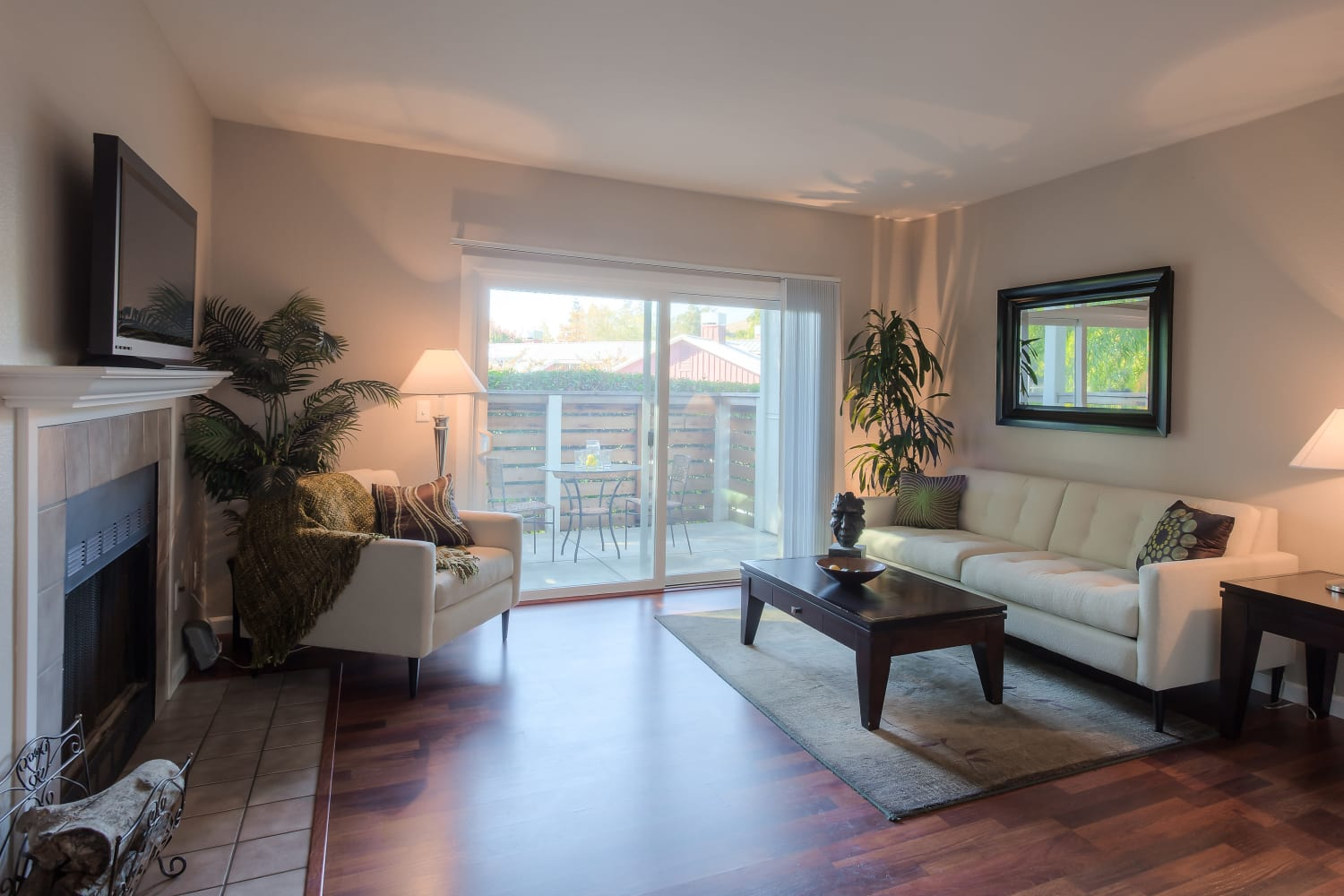 Cotton Wood Apartments in Dublin, California, offer hardwood floors