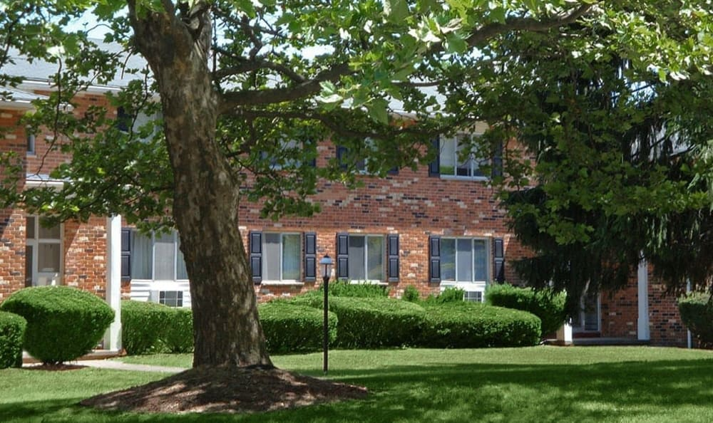Welcome to your Knollwood Manor Apartments home in Fairport, NY
