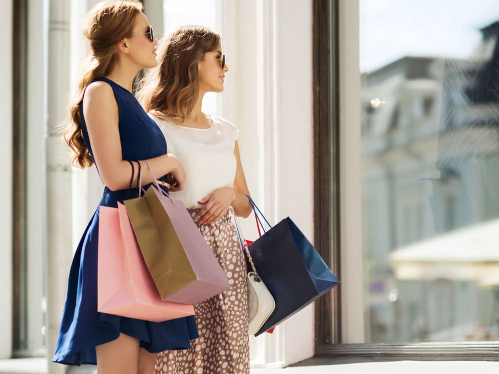 Friends out shopping together near San Artes in Scottsdale, Arizona