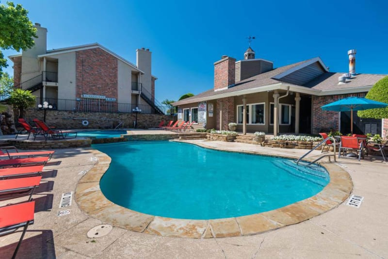 Large resort style pool at The Carling on Frankford in Carrollton, Texas