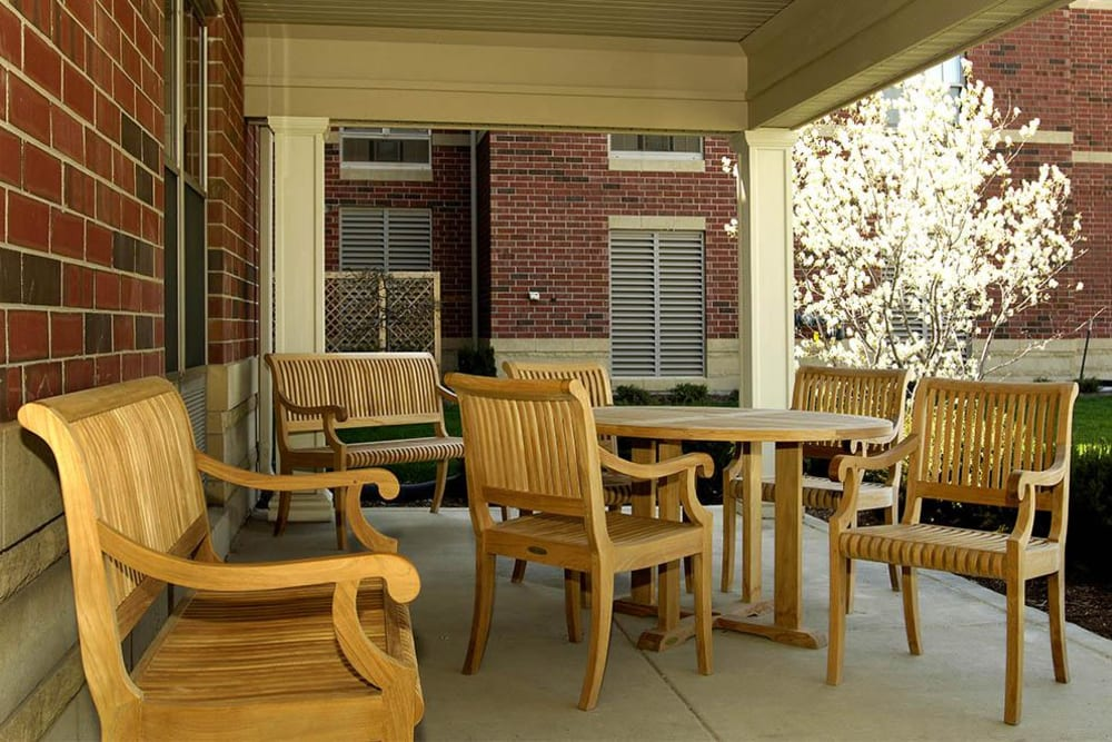 Senior Living Patio at Victory Centre of Sierra Ridge in Country Club Hills